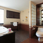 Suite-A2-bathroom-2